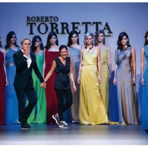 Roberto Torreta Maria desfile