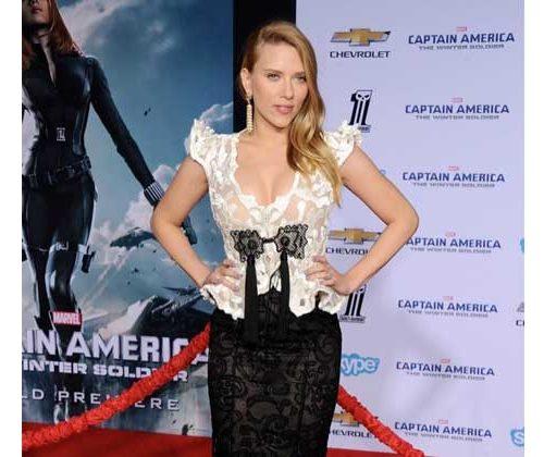 Scarlett Johansson con joyas de Van Cleef & Arpels