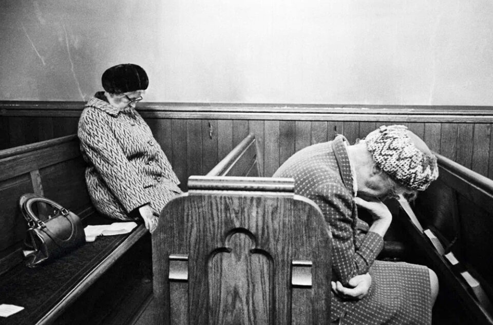Matin Parr fotografo Mujeres dormidas en Misa